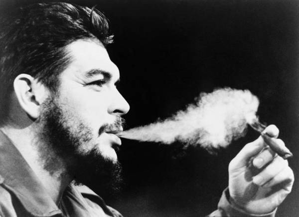 1964 Poster featuring the photograph Ernesto 'che' Guevara (1928-1967) by Granger