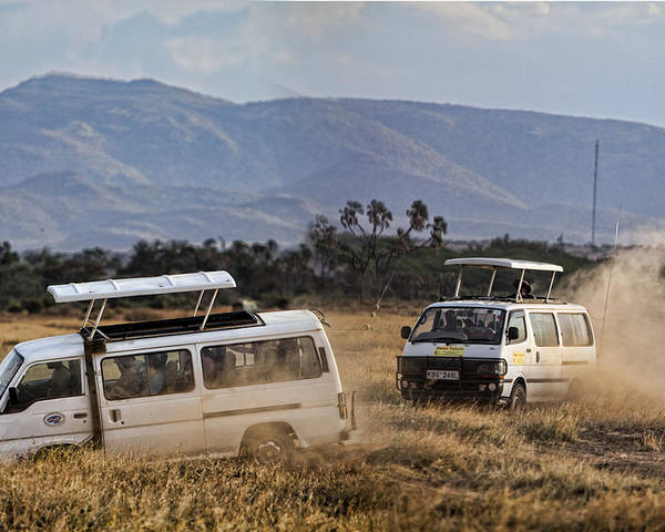 Tourism Tourists Vans Racing Poster featuring the photograph Mad Rush by Wendy White