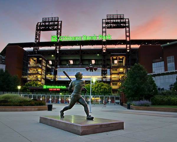 Mike Poster featuring the photograph Mike Schmidt Statue At Dawn by Bill Cannon