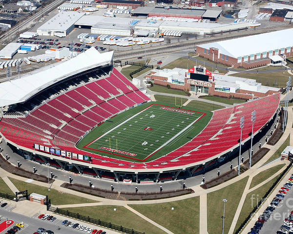 [Image: papa-johns-cardinal-stadium-south-louisv...l-cobb.jpg]