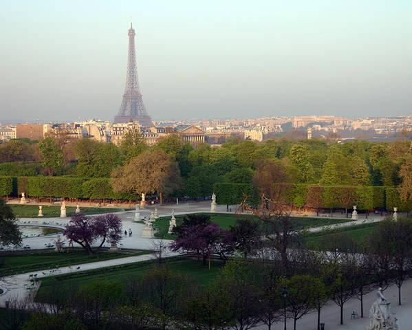 Paris Poster featuring the photograph Paris Autumn by A Morddel