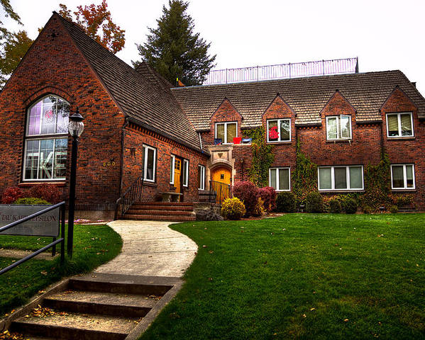 Washington State University Poster featuring the photograph The Tke House On The Wsu Campus by David Patterson