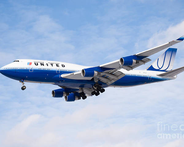 747 Poster featuring the photograph United Airlines Boeing 747 Airplane Landing by Paul Velgos