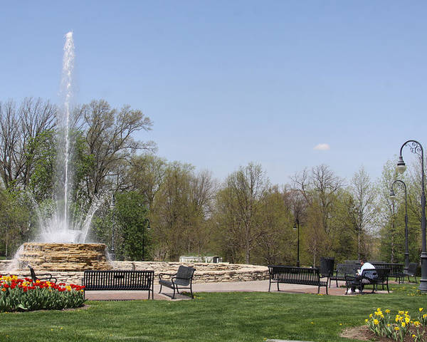 Vander Veer Botanical Park Poster featuring the photograph Vander Veer Fountain In Spring by Heidi Brandt