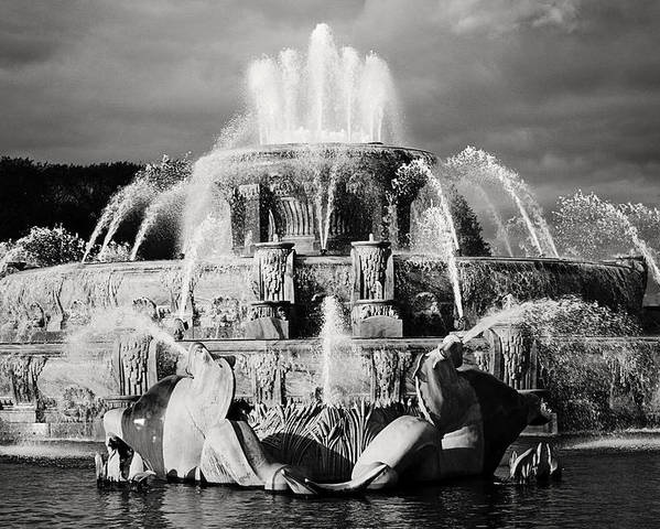 Black And White Poster featuring the photograph Buckingham Fountain by Laura Kinker
