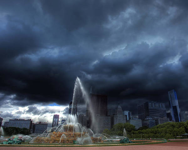 Buckingham Fountain Poster featuring the photograph Buckingham Fountain Storm by Shawn Everhart