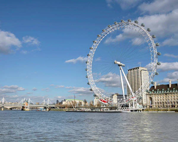 Horizontal Poster featuring the photograph London Eye by Paul Biris