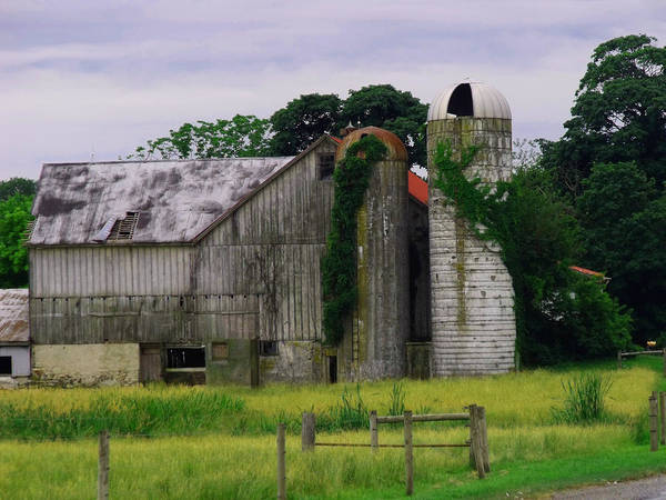 Barn Poster featuring the photograph Pa Barn by Dottie Gillespie