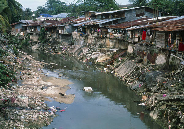 polluted-river-running-through-a-malaysi