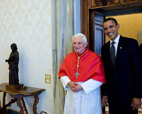 History Poster featuring the photograph President Barack Obama Meets With Pope by Everett
