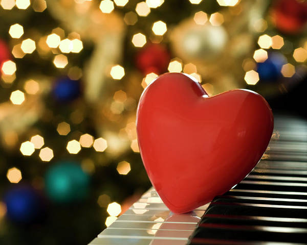 Horizontal Poster featuring the photograph Red Heart On Piano, Sandusky by Ray Sandusky / Brentwood, TN
