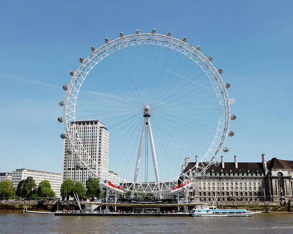 Horizontal Poster featuring the photograph The Millennium Wheel And Thames by Richard Newstead