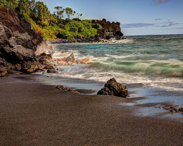 Maui Poster featuring the photograph Black Sand Beach Maui by Shawn Everhart