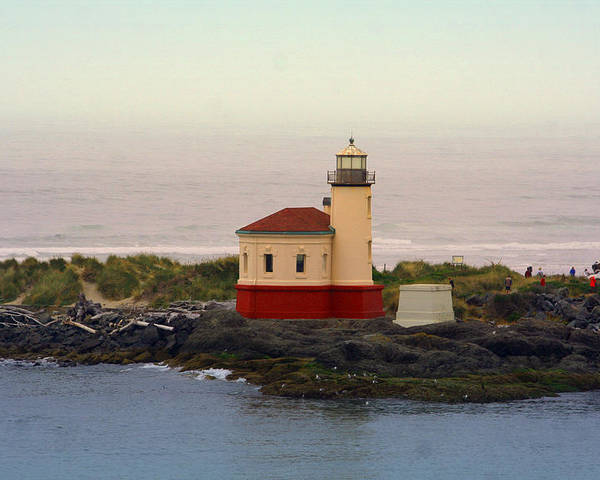 Lighthouses Poster featuring the photograph Cape Blanco Lighthouse Li 8000 by Mary Gaines