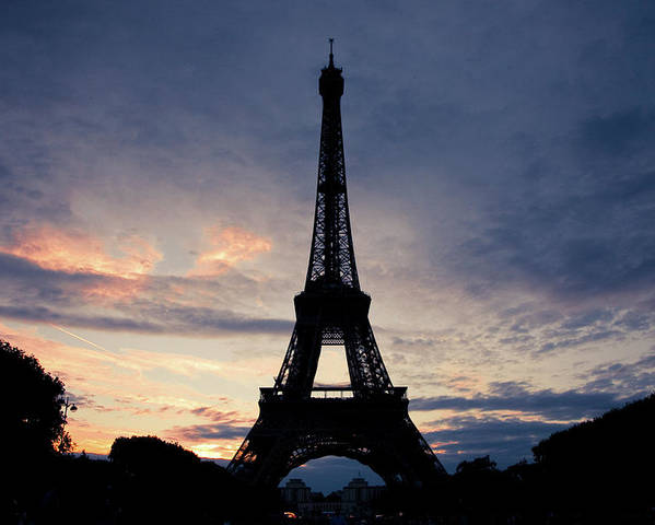 Horizontal Poster featuring the photograph Eiffel Tower At Sunset, Paris, France by Photo by rachel kara