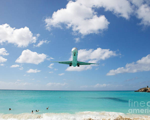 Flying Poster featuring the photograph Final Approach by Kim Fearheiley