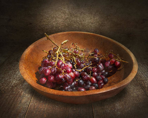 Chef Poster featuring the photograph Food - Grapes - A Bowl Of Grapes by Mike Savad