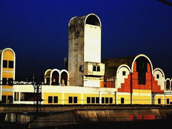 Buildings Poster featuring the photograph Habibganj Railway Station by Padamvir Singh