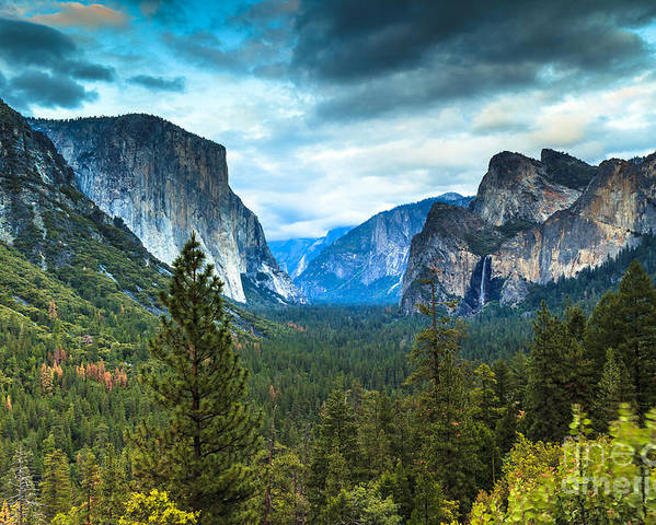 Yosemite Poster featuring the photograph Inspiration Point Yosemite by Ben Graham