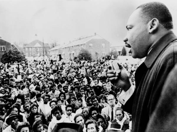 History Poster featuring the photograph Martin Luther King Addresses Selma by Everett