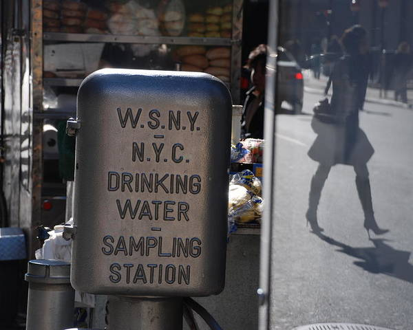 Street Scene Poster featuring the photograph Nyc Drinking Water by Rob Hans