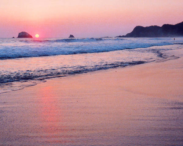 Mexico Poster featuring the photograph Pink Sky In Zipolite by Lyle Crump