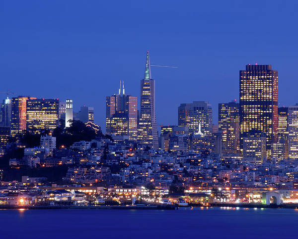 Horizontal Poster featuring the photograph San Francisco Skyline At Dusk by David Rout
