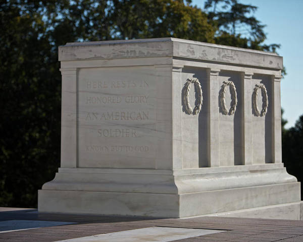Horizontal Poster featuring the photograph Tomb Of The Unknown Soldier, Arlington by Terry Moore