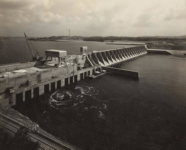 History Poster featuring the photograph Watts Bar Dam On The Tennessee River by Everett