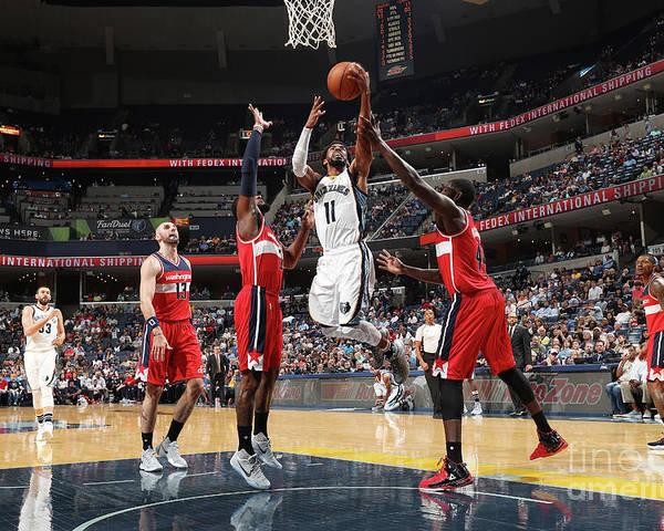 Nba Pro Basketball Poster featuring the photograph Washington Wizards V Memphis Grizzlies by Joe Murphy