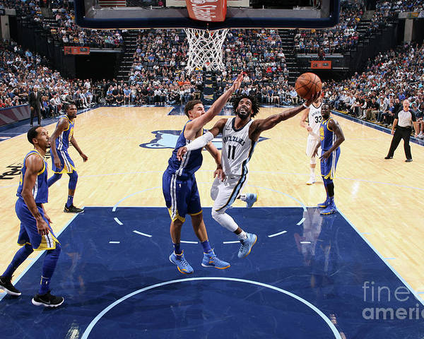 Nba Pro Basketball Poster featuring the photograph Golden State Warriors V Memphis by Joe Murphy