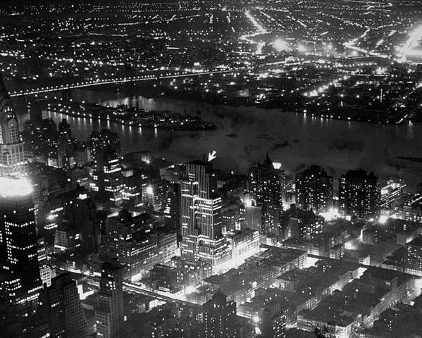 Aerial View Of Night Time New York City Poster By New York Daily News Archive