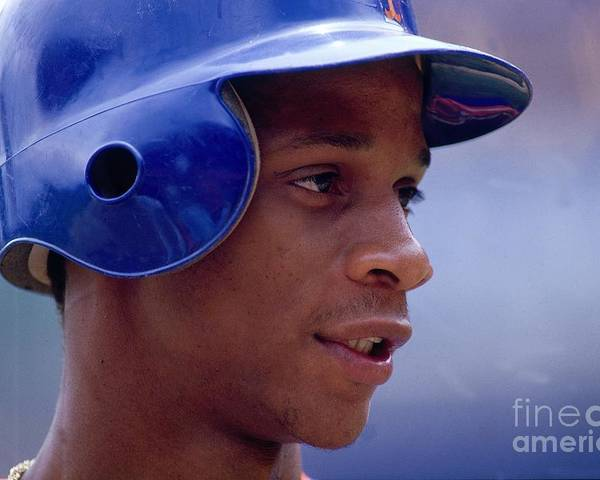 1980-1989 Poster featuring the photograph Darryl Strawberry by Ronald C. Modra