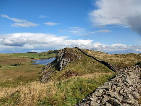 Landscape Poster featuring the photograph Hadrianswall by Pop