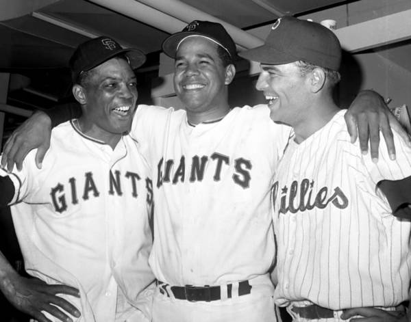 Horizontal Poster featuring the photograph Willie Mays, Juan Marichal, and Johnny Callison by New York Daily News Archive