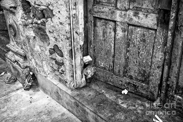 Casco Viejo Door Poster featuring the photograph Casco Viejo Door Mono by John Rizzuto