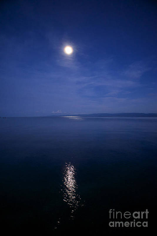 Moonlight Greeting Cards Poster featuring the photograph Midnight Moon by Hank Taylor
