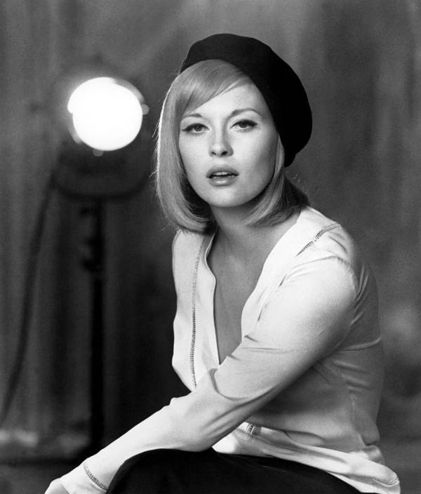 1960s Portraits Poster featuring the photograph Bonnie And Clyde, Faye Dunaway, 1967 by Everett