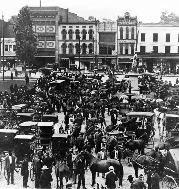 Kentucky Poster featuring the photograph Cheapside Public Square In Lexington - Kentucky - April 7 1920 by International Images