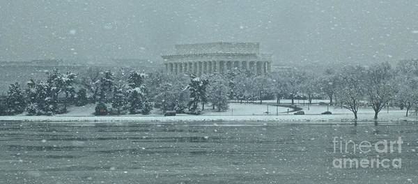 Washington Dc Poster featuring the photograph Lincoln Memorial by Tracy Rice Frame Of Mind