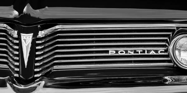 1962 Pontiac Catalina Sd Grille Emblem Poster featuring the photograph 1962 Pontiac Catalina Sd Grille Emblem by Jill Reger