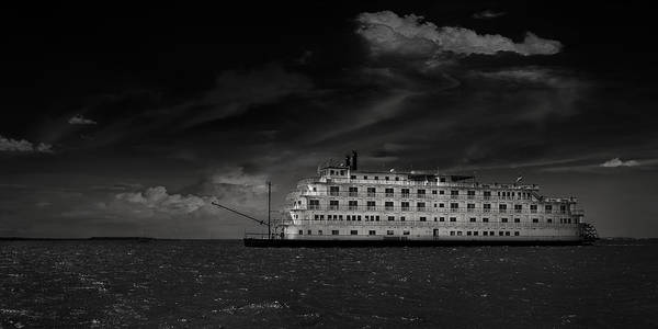 B&w Poster featuring the photograph Queen Of The Mississippi by Mario Celzner