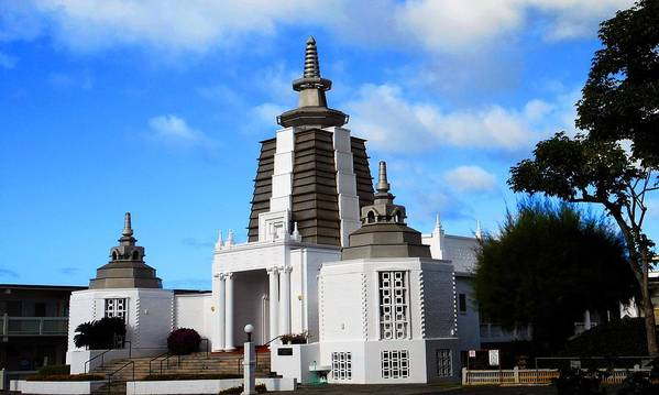 Honolulu Poster featuring the photograph Soto Zen Temple 4 by Ron Kandt