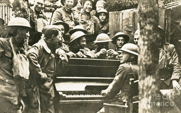 Victory Poster featuring the photograph Yankee Soldiers Around A Piano by Photo Researchers