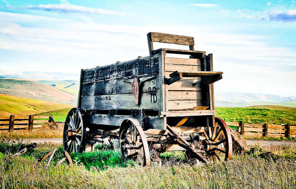 Covered Wagon Poster featuring the photograph Vintaged Covered Wagon by Athena Mckinzie