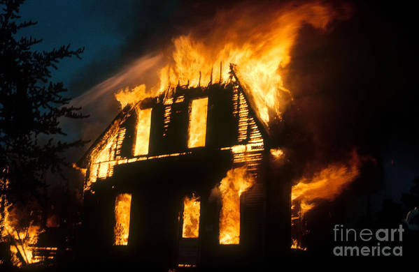 House Fire Poster featuring the photograph House On Fire by Photo Researchers, Inc.
