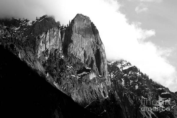 Black And White Poster featuring the photograph Mountains Of Yosemite . 7d6167 . Black And White by Wingsdomain Art and Photography