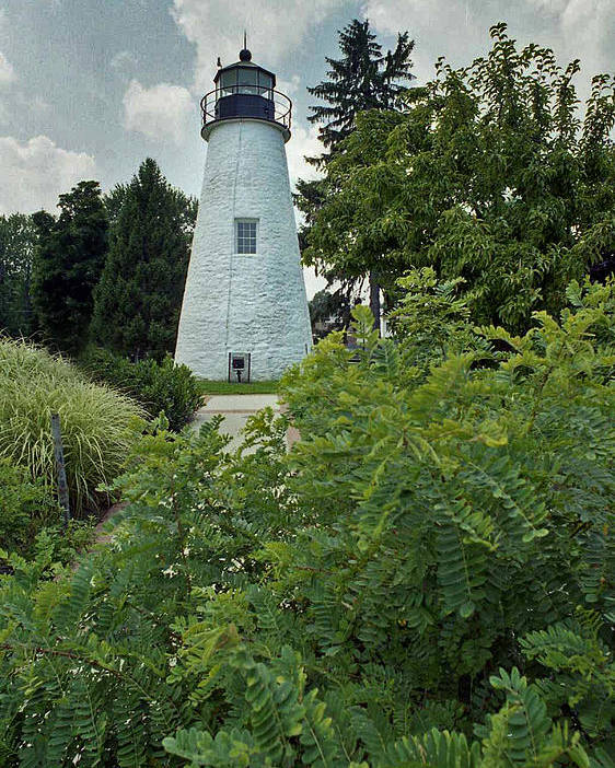 Concord Point Poster featuring the photograph Concord Point Lighthouse by Skip Willits