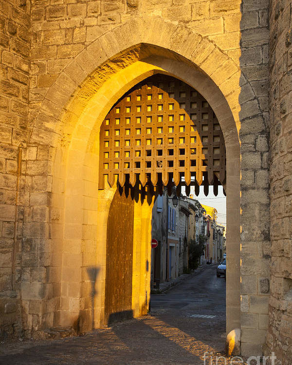 Aigues-mortes Poster featuring the photograph Portcullis Aigues-mortes Languedoc-roussillon France by Colin and Linda McKie