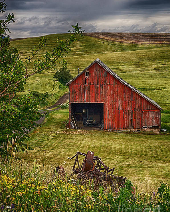 Barn Poster featuring the photograph Unique Barn In The Palouse by Priscilla Burgers